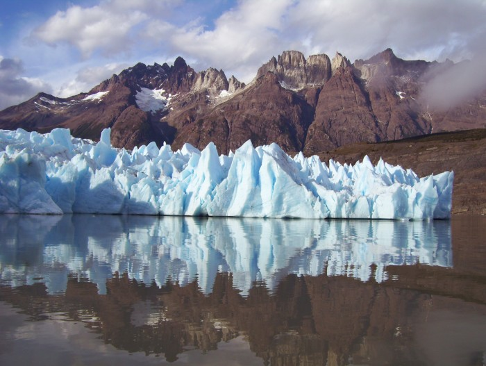 03_glaciar_grey_patagonia-700x527