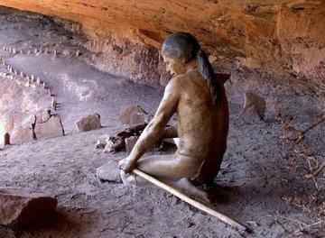 hombre-de-las-cavernas-en-pichasca-a26041157.preview