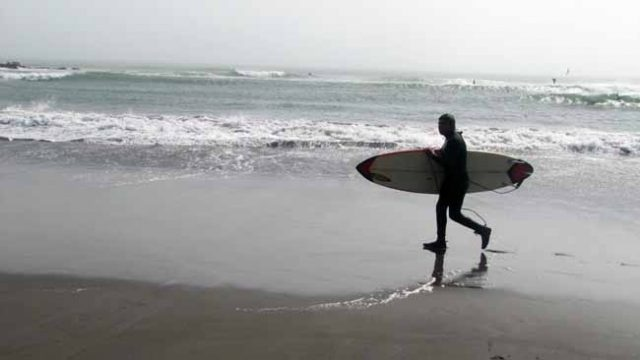 Pag 6-1_- Surf en playa Matanzas